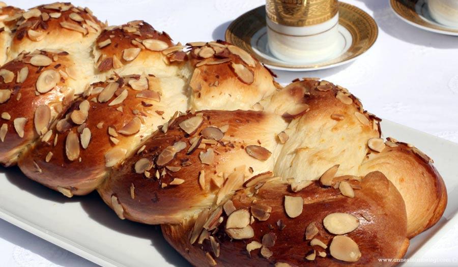 Paskalya çöreği tarifim ile paskalyanızı evinizde kendiniz yapabilirsiniz. Pastane usulü Paskalya Çöreğinin tarifi ile bildiğiniz pastanelerin paskalya çöreği ile yarışacaksınız. Tam kıvamında tutan bir tarifin yerini hiçbir şey tutamaz! paskalya tarifi,Paskalya Çöreği Tarifi,Paskalya Çöreği Nasıl Yapılır,Gerçek Paskalya Çöreği Tarifi ,Paskalya Çöreği Tarifi ,Paskalya çöreği tarifi mi aramıştınız? Paskalya çöreği, hamurişi tarifleri tarifleri,Sonu garanti tarifler,Paskalya çöreği nasıl yapılır, paskalya çöreği tarifi, paskalyaçöreği yapılışı ve malzemeleri, paskalya çöreği oktay ustapaskalya poğaça tarifipaskalya çöreği portakal ağacıpaskalya çöreği nefis yemek tariflerigüzel paskalya tarifipaskalya çöreği ardanın mutfağıgerçek paskalya çöreğipaskalya çöreği tarifi uzman tv paskalya çöreği yapma,Paskalya çöreği nasıl yapılır, paskalya çöreği tarifi, paskalyaçöreği yapılışı,Paskalya Çöreği (Tsoureki) Tarifi ,Ev Yapımı Paskalya Çöreği Tarifi,Paskalya çöreği nasıl yapılır,Paskalya Çöreği Tarifi,Paskalya Çöreği tarifi , Paskalya Çöreği nasıl yapılır,Damla sakızlı paskalya çöreği,Paskalya Tarifi Portakal Ağacı,çörek tarifleri, damla sakızlı çörek, damla sakızlı paskalya çöreği,Paskalya Tarifi Portakal Ağacı,Pastane usulü Paskalya Çöreği,Pastane usulü Paskalya Çöreğinin tarifi ve püf noktaları,paskalya çöreği püf noktaları.
