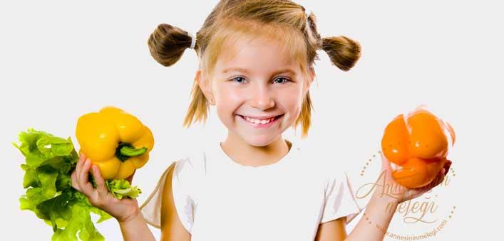 Hangi durumlarda gıdaların besin değeri azalır? blender sebzelerin vitaminini öldürür mü blender besin değerini öldürür mü salata yaparken bitkilerin bıçakla doğranması yerine elle koparılmasının nedeni hangi durumlarda gıdaların besin değeri azalır blender zararlımı bebek blender bebeklerde blender kullanımı limon kesilince vitamini gider mi