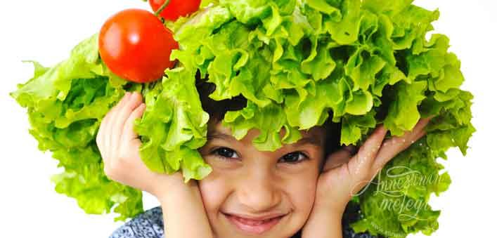 Metal Bıçaklar Sebzelerin Vitamin Değerini Öldürür mü? blender sebzelerin vitaminini öldürür mü blender besin değerini öldürür mü salata yaparken bitkilerin bıçakla doğranması yerine elle koparılmasının nedeni hangi durumlarda gıdaların besin değeri azalır blender zararlımı bebek blender bebeklerde blender kullanımı limon kesilince vitamini gider mi