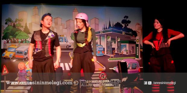 """""""Konuşan Trafik"""" adlı ücretsiz çocuk tiyatro oyunu"""