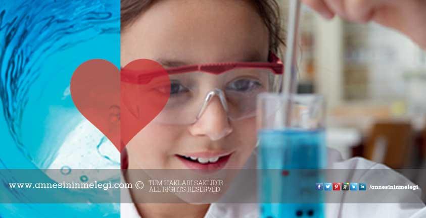 Çocuklar Kids' Lab ile kimyayı eğlenerek öğreniyor! İstanbul Modern'deki BASF Kids' Lab etkinliğine davetlisiniz. Etkinlik ücretsizdir.ücretsiz çocuk etkinlikleri,ücretsiz kimya eğitimi,ücretsiz çocuk aktiviteleri