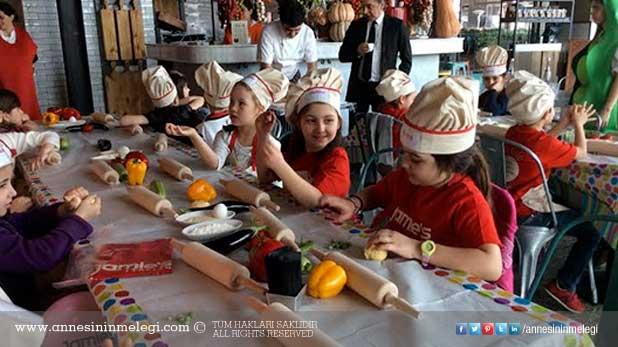 Jamie's Italian çocuklar için yemek atölyesi düzenliyor