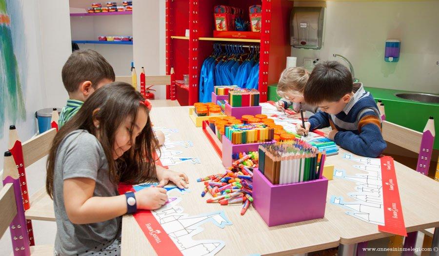 Faber-Castell, çocukları ve gençleri Nisan ayında birbirinden renkli atölye çalışmalarına bekliyor. Faber-Castell Yaratıcılık Atölyeleri her hafta sonu İstanbul Oyuncak Müzesi, PeraMüzesi, Rahmi M. Koç Müzesi ve Sakıp Sabancı Müzesi'nde düzenleniyor. Faber-Castell Yaratıcılık Atölyeleri ,Rahmi M. Koç Müzesi, Sakıp Sabancı Müzesi,İstanbul Oyuncak Müzesi,çocuk etkinlikleri, çocuk sanat atölyeleri,çocuk atölye, çocuk etkinlikleri,Pera Müzesi,Mandala Atölyesi