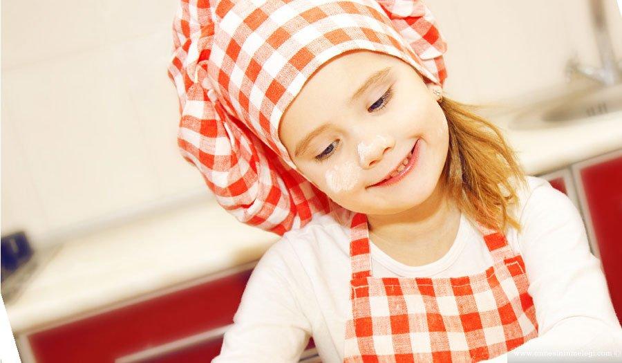 Deneyimli eğitmenler eşliğinde gerçekleştirilecek olan etkinlikler, 14.00-18.00 saatleri arasında ücretsiz katılıma açık olacak. Küçük aşçılar, iki hafta sonu boyunca harika lezzetler yaratmanın yanı sıra neşeli tasarımlarla mutfak kaplarını renklendirecekler. Çocuklar Mutfakta,Yemekte görgü kuralları, hijyen, sağlıklı beslenme, masa düzeni,Forum Kayseri,mutfak etkinlikleri,sofra