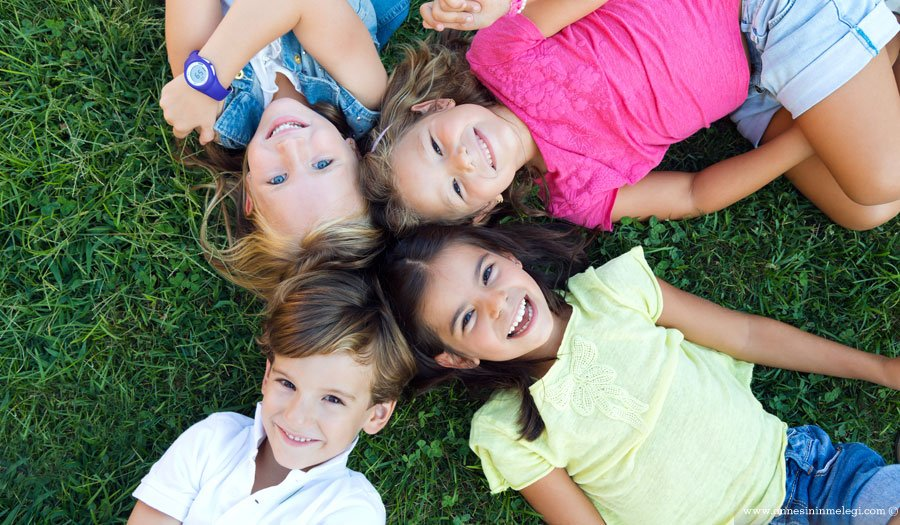 Mutlu çocuk yetiştirmek istiyorsanız,tutarlılık,mutlu cocuk yetistirmenin sirlari,mutlu çocuk yetiştirme sanatı,çocuğun mutluluğu sözleri,Mutlu çocuk yetiştirmenin sırları!,Mutlu Çocuğun 11 Sırrı,Mutlu çocuk yetiştirmenin sırrı nedir,Mutlu çocuğun sırrı,Uyuyan çocuk mu mutludur, mutlu çocuk mu uyur,tutarlılık,Mutlu çocuk nasıl olur,Hayatı mutlu yaşayabilmek için,Mutlu Ailenin Sırrı,Mutlu çocuğun sırrı mutlu aile,Mutlu Çocuk Sahibi Olmanın Sırları,ÇOCUK BÜYÜTÜRKEN ÖNERİLER,çocuk büyütenlere öneriler,Bebek Eğitimi, Çocuk Gelişimi, Zeka Gelişimi,Mutlu Çocuk Sahibi Olmanın Sırları,mutlu çocuklar yetiştirmek için öneriler