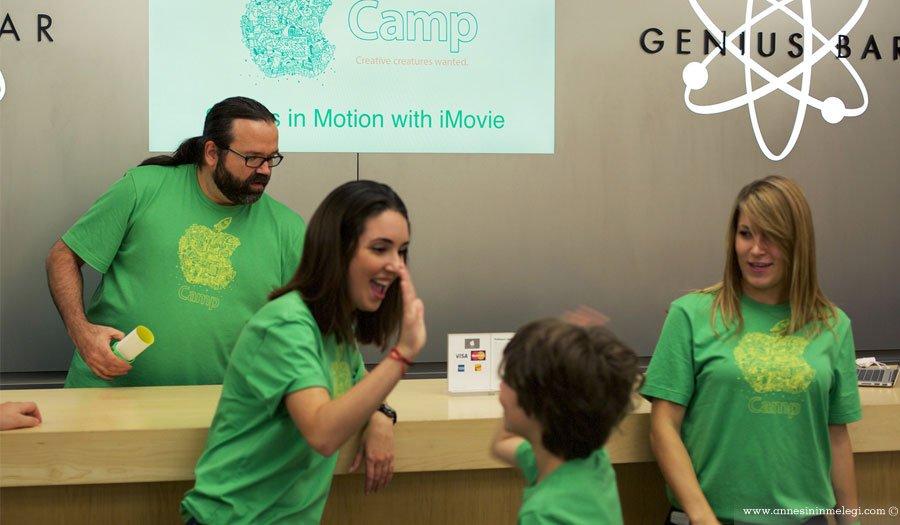 Gençlere Yönelik Atölyeler, Okul Gezisi,Apple Kampı,Gençlere Yönelik Atölyeler, Okul Gezisi ve Apple Kampı, 8-12 yaş arası çocuklar,atölye çalışmaları,film yapımı,öykü anlatımı, senaryo taslağı oluşturmak, video çekmek,film müziği yapmak, film yapımıyla,illüstrasyonlar,ses efektleri,interaktif kitaplar,Apple Kampı Proje Sunumu,Apple Kampı programları,Apple Kampına kayıt olmak için,digital projeler,3 günlük ücretsiz atölyeler,Apple Kampı,Movie ile Hareketli Hikayeler,iBooks ile İnteraktif Hikaye Anlatımı,iMovie ile Hareketli Hikayeler,ücretsiz çocuk etkinlikleri,ücretsiz çocuk atölyeleri, ücretsiz yaz kampı,ücretsiz çocuk kampı,ücretsiz etkinlikler