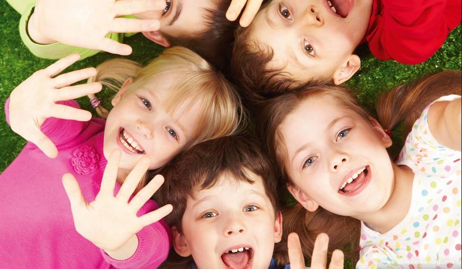 Forum Ankara Outlet, 1-21 Ağustos tarihleri arasında çocuklar için birbirinden eğlenceli atölye çalışmaları başlatıyor. Her gün dört farklı seansta yapılacak atölye çalışmaları, miniklerin yaz tatilini renkli bir şekilde değerlendirmelerini sağlayacak,ücretsiz etkinlikler,ücretsiz çocuk atölyeleri,ankara çocuk etkinlikleri,papatyalardan taç yapımı,çim adam atölyesi,renkli boncuklardan tablo,Forum Ankara Outlet'