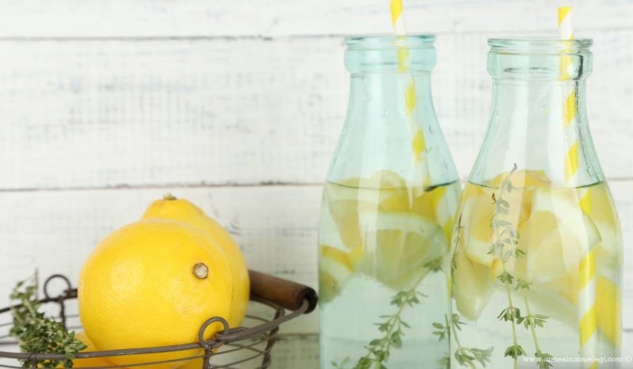 Konsantre Limonata Tarifi nasıl yapılır? Konsantre limonata tarifimiz ile uzun bir süre aileniz ve misafirlerinize sunacağınız limonata ihtiyacını karşılayabilirsiniz,konsantre limonata yapımı, konsantre limonata nasıl yapılır, konsantre limon suyu,KONSANTRE LİMONATA TARİFİ,Pratik Limonata nasıl yapılır ,Konsantre Limonata Tarifi nasıl yapılır? Konsantre Limonata Tarifi'nin malzemeleri, Limonata Konsantresi veya Limon Sorbe,Konsantre limonata tarifi, Konsantre limonata nasıl yapılır,KONSANTRE LİMONATA tarifi, limonata konsantresi nasıl yapılır,konsantre limonata tarifi, konsantre limonata fiyatı,konsantre limonata tarifi tarifleri,konsantre limonata satışı,konsantre limonata içecekler,konsantre limonata yapımı,konsantre limonata nasıl yapılır,