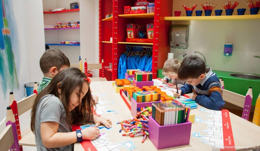 """Faber-Castell'in Sabancı, Koç ve Oyuncak Müzesi'nde hayata geçirdiği """"Yaratıcılık Atölyeleri"""" Eylül'den itibaren hafta sonları çocukları bekliyor. yaratıcılık atölyesi,faber castell,sabancı müzesi,oyuncak müzesi,rahmi koç müzesi,çocuk etkinlikleri,istanbul çocuk etkinlikleri,haftasonu ne yapsak,haftasonu çocuklu program,çocuk etkinlikleri."""