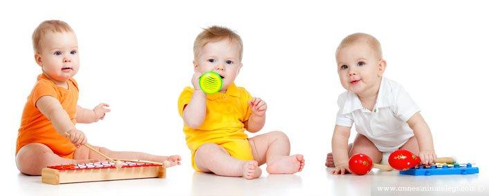 Oyuncak seçerken nelere dikkat edilmeli  Oyuncakların çocukların beyin gelişimindeki etkileri nelerdir  Çocuklarımız hayal dünyalarını oyuncakları ve kurdukları oyunlara yansıtır çocuk oyuncak seçimi oyuncak seçimi   hangi oyuncak   bebeğim için hangi oyuncak  Oyuncak seçerken nelere dikkat edilmeli