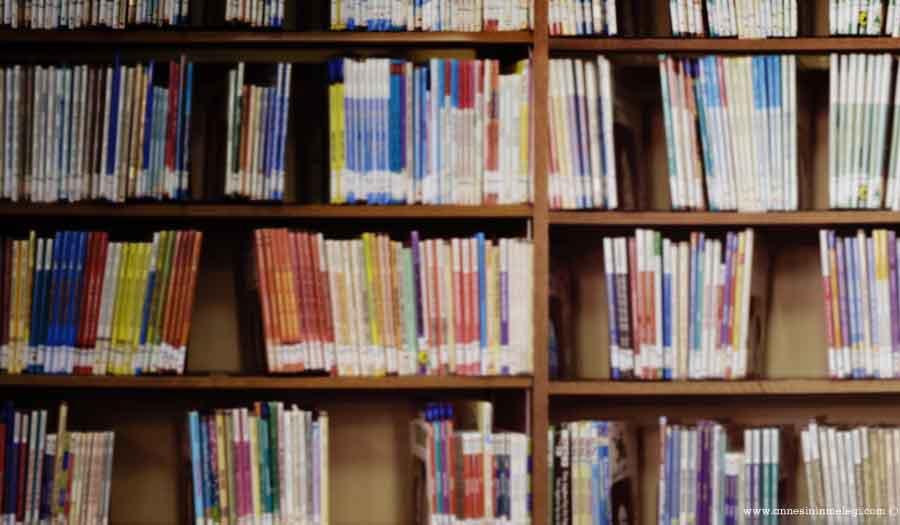 Zeytinburnu Merkezefendi Şehir Kütüphanesi'nde kitapseverlere çay, kahve ve çorba ücretsiz ikram ediliyor.