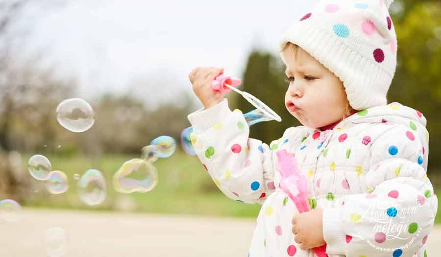 Köpük Balon Suyu Yapımı | Ev yapımı köpük baloncuk formülü için yazımıza göz atın. Evinizdeki malzemeler köpün balonu suyu hazırlayın. baloncuk yapma, köpük balon içine ne konulur,evde baloncuk nasıl yapılır ,baloncuk yapma, köpük balon suyu,evde baloncuk nasıl yapılır,evde baloncuk sıvısı yapmasını bilen, Baloncuk Yapmak,köpük balon suyu,Baloncuk Suyu Tarifi,Köpükten baloncuk yapmak için nasıl bir solüsyon hazırlanır,Köpük Baloncuk Nasıl Yapılır,Ev Yapımı Köpük (Balon) Hazırlama,Sabun Köpükleri Nasıl Yapılır,balon köpüğünün nasıl yapılır,köpük balon içine ne konulur,köpük baloncuk,baloncuk yapma,köpük balon satın al, köpük baloncuk toptan, köpük balon makinası, star bubbles nasıl yapılır, baloncuk tabancası,