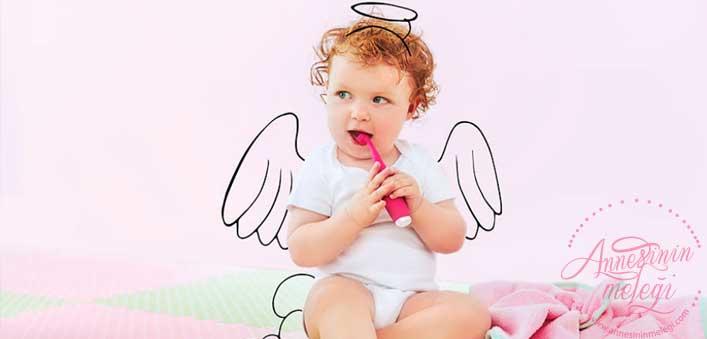Diş çıkaran bebeğiniz için öneriler... Bebekler ilk altı aylık dönemlerinden sonra diş çıkarmaya bağlı ateş, halsizlik, huysuzluk ve salya akıntısı gibi sıkıntılar yaşayabilir. Bebeklerde diş çıkarmak ,diş çıkaran bebek,Bebeğinizin rahat diş çıkarması için yapmanız gerekenler,Bebeğim diş çıkarıyor ne yapmalıyım, Bebeğin rahat diş çıkarması için ne yapılır,Bebeklerin diş çıkarma sürecinde olan rahatsızlıklar,diş çıkaran bebek,bebeğimin dişi çıkmıyor,Diş çıkartan bebeği rahatlatmak için neler yapılabilir,Bebeklerde diş çıkarma belirtileri,Bebeklerde diş çıkarma,Bebeklerde diş çıkarma belirtileri nelerdir,Bebeklerde Diş Çıkarma,bebeklerde diş çıkarma süreci ne zaman başlar? Bu dönemin her bebekte farklılık göstermesinin nedenleri nelerdir? Sağlıklı bebeklerin dişler,Bebeklerde diş kaşınmasına ne iyi gelir,Bebeğiniz dişi mi çıkarıyor, bu yazıyı mutlaka okumalısınız,Bebeklerde diş çıkarma dönemi ,bebeklerde dis cikarma agrisina ne iyi gelir,bebeklerde diş çıkarma dönemi,bebeklerde diş çıkarma kaç gün sürer,bebeklerde diş çıkarma tablosu,bebeklerde diş çıkarma belirtileri ne zaman başlar,bebeklerde diş çıkarma kusmaya neden olur mu,bebeklerde diş çıkarma kadınlar kulübü,bebekler diş çıkarırken nasıl rahatlatılır?