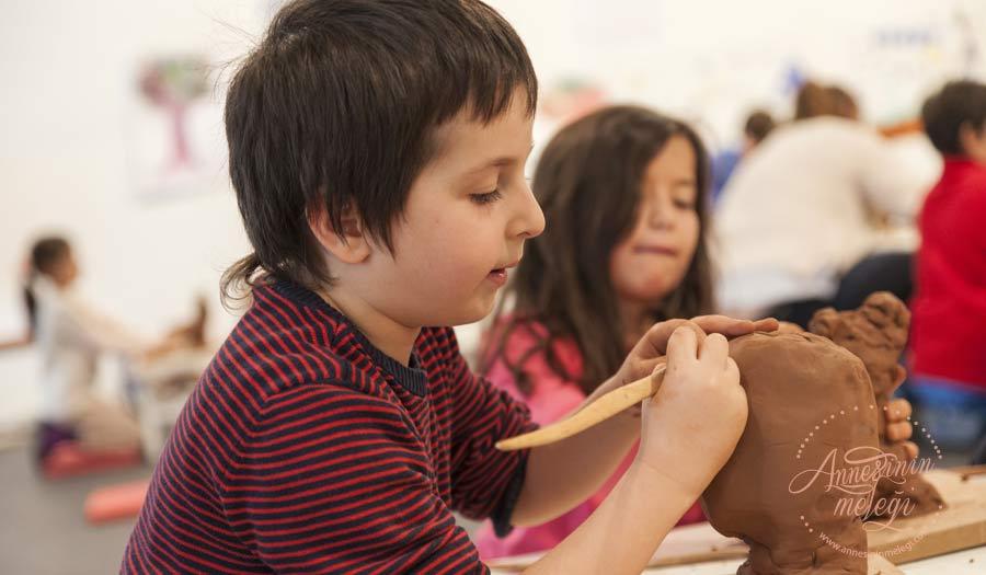 İstanbul Modern'de 7-12 yaş çocukları hem eğlenceli hem de öğretici bir atölye bekliyor: Çamurdan Heykeller. İstanbul Modern,çamurdan heykeller atölyesi,müze uzmanları, yaz atölyeleri, sanat atölyesi,çocuk sanat eğitimi,çocuk sanat atölyesi,7-12 yaş çocuklar,çocuk etkinlikleri,istanbul etkinlik,haftasonu ne yapsak,çocuklu haftasonu programı,çocuğumla haftasonu ne yapsak?