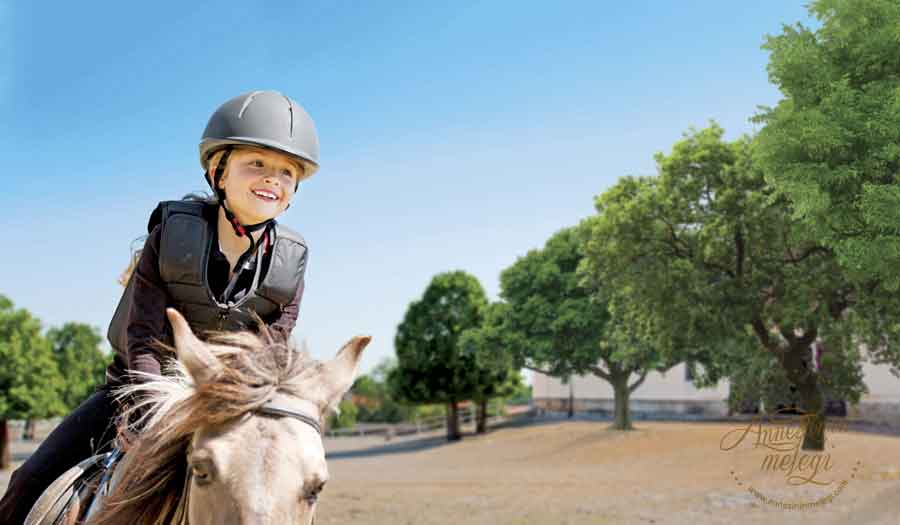 Çocukların hem at binmeyi öğrenmesi, hem de doğayla iç içe bir ortamda eğitici aktiviteler yoluyla keyifli vakit geçirmesini hedefleyen proje, 4-5 Kasım tarihlerinden itibaren cumartesi ve pazar günleri İstanbul Veliefendi Hipodromu'nda gerçekleştirilecek. İstanbul Veliefendi Hipodromu,binicilik kursu,at binme,8-10 yaş grubu,ata yaklaşma, malzeme kullanımı, biniş, oturuş, iniş, dönüş, sürüş, duruş ücretsiz temel binicilik ders Türkiye Jokey Kulübü,