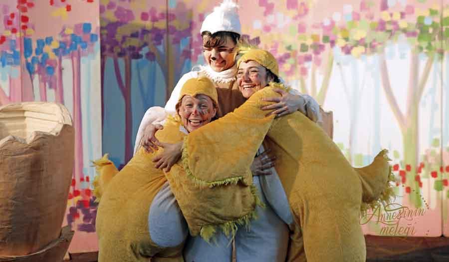 """TJK, Dünya Tiyatrolar Haftası kapsamında """"Şirin At Titi"""" isimli çocuk oyununu Veliefendi Hipodromu'nda çocuklarla buluşturuyor haftasonu ne yapsak ücretsiz etkinlik çocuk tiyatroları istanbul anadolu ücretsiz aktiviteler çocuk tiyatroları istanbul avrupa yakası çocuk tiyatroları istanbul anadolu yakası ücretsiz çoçuk etkinlikleri ücretsiz çocuk tiyatroları istanbul 2018 istanbul ücretsiz etkinlikler 2018 ücretsiz aktiviteler ücretsiz çocuk tiyatroları istanbul 2018 çocuk tiyatroları istanbul anadolu istanbul ücretsiz etkinlikler 2018 çocuk tiyatroları istanbul avrupa yakası çocuk tiyatroları istanbul anadolu yakası avm etkinlikleri Kültür Sanat Etkinlikleri Konser Tiyatro Sergi Fuar Eğlence Festival Yarışma Gösteri çocuk tiyatrosu gösteri sirk tema park etkinlikleri En Güncel Çocuk Etkinlikleri - Tiyatro Gösteri Atölye,Çocuk Atölyeleri çeşitli etkinlikler Çocuk etkinlik ve mekan önerileri İstanbul'da çocuklarla gezilecek müzeler atölye çalışmaları açık hava aktiviteleri Çocuk Oyunları çocuk tiyatroları ücretsiz etkinlik istanbul etkinlikleri çocuk etkinlikleri çocuk aktiviteleri haftasonu çocuk etkinliği haftasonu ne yapsak haftasonu çocuk için çocuk etkinlikleri çocuk etkinlikleri 11 yaş çocuk etkinlikleri 8 yaş çocuk etkinlikleri anne çocuk etkinliği cumartesi çocuk etkinlikleri istanbul avrupa yakası çocuklar için kurs ve etkinlik istanbul avrupa yakasinda somestr etkinligi karne aktıvıtelerı karne günü etkınlıkleri ucretsiz bebek etkinlikleri belediyesi çocuk etkinlikleri cocuk aktiviteleri çocuklar için etkinlikler istanbul avrupa yakasi ücretsiz hafta sonu etkinlikleri 1 yaş çocuğu etkinlikleri 2 yaş çocuğu etkinlik 2 yaş çocuğu etkinlikler 2 yaş çocuğu etkinlikleri 2 yaşında çoçuk etkinlikleri 3 yaş çocuğu etkinlikleri 4 yaş çocuğu etkinlikleri 5 yaş çocuğu etkinlik 5 yaş çocuğu etkinlikleri 6 yaş çocuğu etkinlikleri 7 yaş çocuğu etkinlikleri 8 yaş çocuğu etkinlikleri çoçuk gelişimi etkinlik örnekleri ücretsiz etkinlikistanbul 3 yaş ücretsiz etkinlikler ankar"""