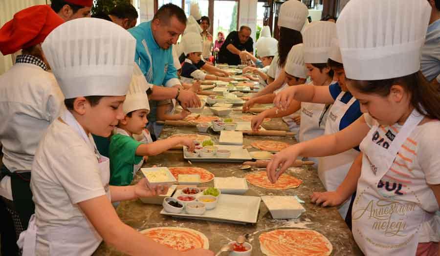 Elite World Chefs'ten çocuklara pizza yapım atölyesi | Elite World Chefs, Ulusal Egemenlik ve Çocuk Bayramı nedeniyle 6-14 yaş arası çocuklara özel 'Pizza Yapımı' atölyesi düzenleyecek haftasonu ne yapsak ücretsiz etkinlik çocuk tiyatroları istanbul anadolu ücretsiz aktiviteler çocuk tiyatroları istanbul avrupa yakası çocuk tiyatroları istanbul anadolu yakası ücretsiz çoçuk etkinlikleri ücretsiz çocuk tiyatroları istanbul 2018 istanbul ücretsiz etkinlikler 2018 ücretsiz aktiviteler ücretsiz çocuk tiyatroları istanbul 2018 çocuk tiyatroları istanbul anadolu istanbul ücretsiz etkinlikler 2018 çocuk tiyatroları istanbul avrupa yakası çocuk tiyatroları istanbul anadolu yakası avm etkinlikleri Kültür Sanat Etkinlikleri Konser Tiyatro Sergi Fuar Eğlence Festival Yarışma Gösteri çocuk tiyatrosu gösteri sirk tema park etkinlikleri En Güncel Çocuk Etkinlikleri - Tiyatro Gösteri Atölye,Çocuk Atölyeleri çeşitli etkinlikler Çocuk etkinlik ve mekan önerileri İstanbul'da çocuklarla gezilecek müzeler atölye çalışmaları açık hava aktiviteleri Çocuk Oyunları çocuk tiyatroları ücretsiz etkinlik istanbul etkinlikleri çocuk etkinlikleri çocuk aktiviteleri haftasonu çocuk etkinliği haftasonu ne yapsak haftasonu çocuk için çocuk etkinlikleri çocuk etkinlikleri 11 yaş çocuk etkinlikleri 8 yaş çocuk etkinlikleri anne çocuk etkinliği cumartesi çocuk etkinlikleri istanbul avrupa yakası çocuklar için kurs ve etkinlik istanbul avrupa yakasinda somestr etkinligi karne aktıvıtelerı karne günü etkınlıkleri ucretsiz bebek etkinlikleri belediyesi çocuk etkinlikleri cocuk aktiviteleri çocuklar için etkinlikler istanbul avrupa yakasi ücretsiz hafta sonu etkinlikleri 1 yaş çocuğu etkinlikleri 2 yaş çocuğu etkinlik 2 yaş çocuğu etkinlikler 2 yaş çocuğu etkinlikleri 2 yaşında çoçuk etkinlikleri 3 yaş çocuğu etkinlikleri 4 yaş çocuğu etkinlikleri 5 yaş çocuğu etkinlik 5 yaş çocuğu etkinlikleri 6 yaş çocuğu etkinlikleri 7 yaş çocuğu etkinlikleri 8 yaş çocuğu etkinlikleri çoçuk gelişimi etkinlik örnekleri 