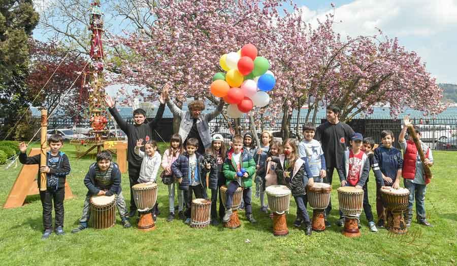 """Sabancı Üniversitesi Sakıp Sabancı Müzesi, 23 Nisan Ulusal Egemenlik ve Çocuk Bayramı'nı 22 Nisan Pazar günü gerçekleştireceği """"Ritim Atölyeleri"""" ile kutlamaya hazırlanıyor haftasonu ne yapsak ücretsiz etkinlik çocuk tiyatroları istanbul anadolu ücretsiz aktiviteler çocuk tiyatroları istanbul avrupa yakası çocuk tiyatroları istanbul anadolu yakası ücretsiz çoçuk etkinlikleri ücretsiz çocuk tiyatroları istanbul 2018 istanbul ücretsiz etkinlikler 2018 ücretsiz aktiviteler ücretsiz çocuk tiyatroları istanbul 2018 çocuk tiyatroları istanbul anadolu istanbul ücretsiz etkinlikler 2018 çocuk tiyatroları istanbul avrupa yakası çocuk tiyatroları istanbul anadolu yakası avm etkinlikleri Kültür Sanat Etkinlikleri Konser Tiyatro Sergi Fuar Eğlence Festival Yarışma Gösteri çocuk tiyatrosu gösteri sirk tema park etkinlikleri En Güncel Çocuk Etkinlikleri - Tiyatro Gösteri Atölye,Çocuk Atölyeleri çeşitli etkinlikler Çocuk etkinlik ve mekan önerileri İstanbul'da çocuklarla gezilecek müzeler atölye çalışmaları açık hava aktiviteleri Çocuk Oyunları çocuk tiyatroları ücretsiz etkinlik istanbul etkinlikleri çocuk etkinlikleri çocuk aktiviteleri haftasonu çocuk etkinliği haftasonu ne yapsak haftasonu çocuk için çocuk etkinlikleri çocuk etkinlikleri 11 yaş çocuk etkinlikleri 8 yaş çocuk etkinlikleri anne çocuk etkinliği cumartesi çocuk etkinlikleri istanbul avrupa yakası çocuklar için kurs ve etkinlik istanbul avrupa yakasinda somestr etkinligi karne aktıvıtelerı karne günü etkınlıkleri ucretsiz bebek etkinlikleri belediyesi çocuk etkinlikleri cocuk aktiviteleri çocuklar için etkinlikler istanbul avrupa yakasi ücretsiz hafta sonu etkinlikleri 1 yaş çocuğu etkinlikleri 2 yaş çocuğu etkinlik 2 yaş çocuğu etkinlikler 2 yaş çocuğu etkinlikleri 2 yaşında çoçuk etkinlikleri 3 yaş çocuğu etkinlikleri 4 yaş çocuğu etkinlikleri 5 yaş çocuğu etkinlik 5 yaş çocuğu etkinlikleri 6 yaş çocuğu etkinlikleri 7 yaş çocuğu etkinlikleri 8 yaş çocuğu etkinlikleri çoçuk gelişimi etkinlik örnekleri ücretsiz etk"""