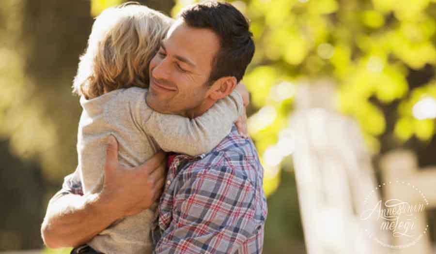 Baba ile çocuk ilişkisi çocuğun geleceği için belirleyici