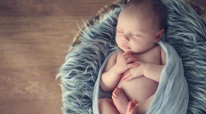 Yeni doğan bebeklere bunları yapmayın!
